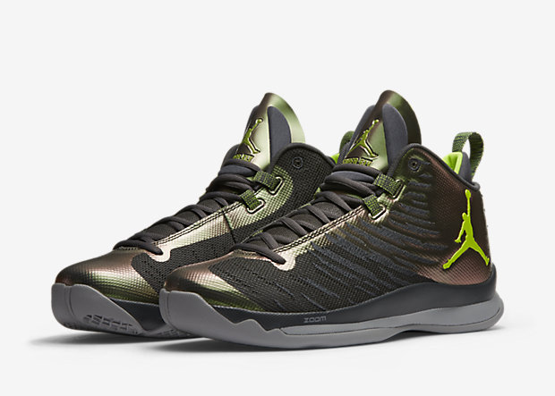 "a1e5c622988e It s fair to say that the Nike LeBron line owns the grey volt ""Dunkman""  colorway. But that doesn t mean other sneakers under the Swoosh umbrella  can t dra."