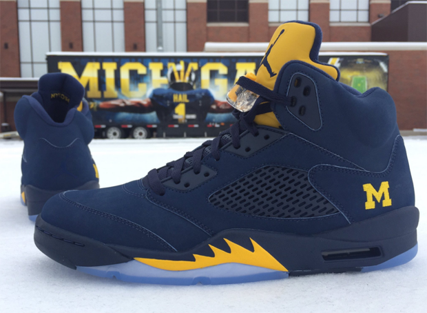 air-jordan-5-michigan-pe-1