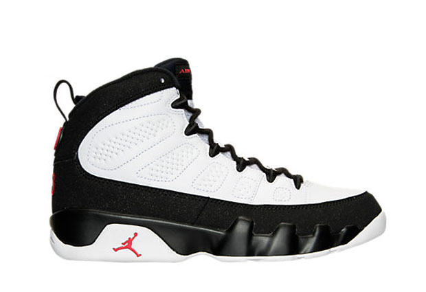 """683022da7af Unlike True Blue 3s, Air Jordan 9 """"Space Jam"""" sold through most popular  sizes at online retail by the close of the weekend. But, as most Jordan  fans have ..."""