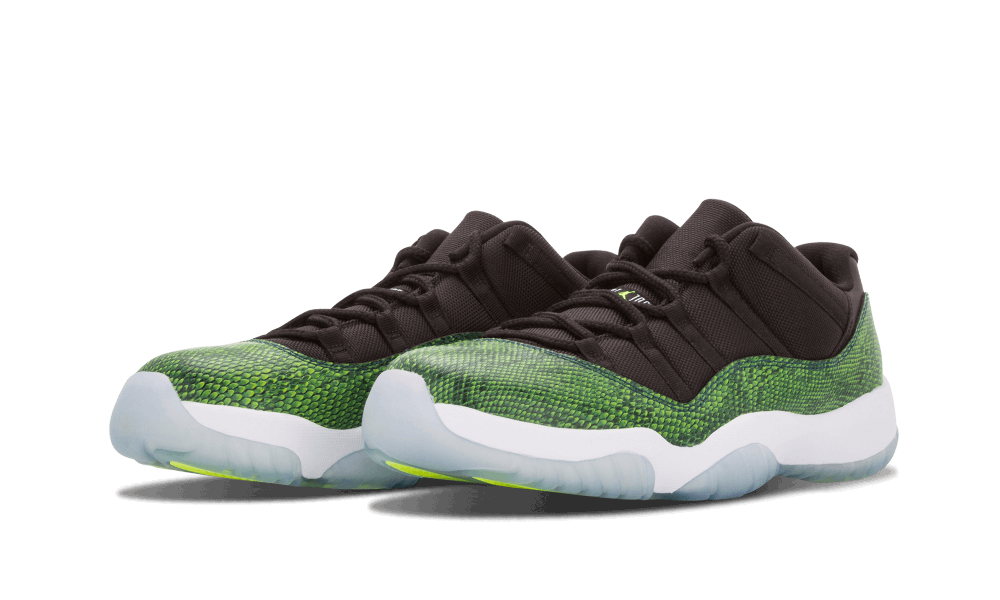 air-jordan-11-low-nightshade-3