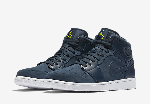 "Air Jordan 1 Mid ""Armory Navy"" proves that Jordan Brand hasn t forgotten  about about this lifestyle staple. Long an option for those who want the  AJ1 s ... 4b21fe7df"