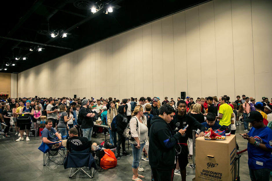 Get the full pictorial tour of Day 1 for Sneaker Con Chicago below. 4485a5e21